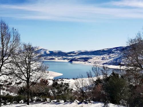 Χιονισμένη Λίμνη Σμοκόβου
